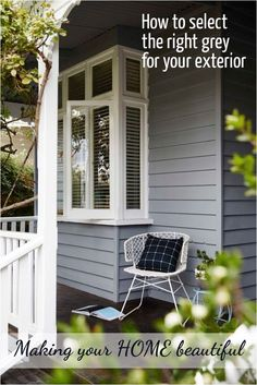 Solutions to Grey Exterior House Colors - sitihome Exterior Gris, Exterior Color Schemes, Exterior Paint Colors, Exterior House Colors, Exterior Design, Paint Colours, Grey Exterior Houses, Bay Window Exterior, Diy Exterior