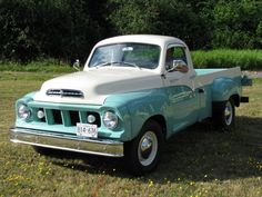 Studebaker Transtar Pick-Up✿ Classic Pickup Trucks, Chevy Pickup Trucks, Old Ford Trucks, Chevy Pickups, Cool Trucks, Big Trucks, Station Wagon, Pick Up, Carros Retro