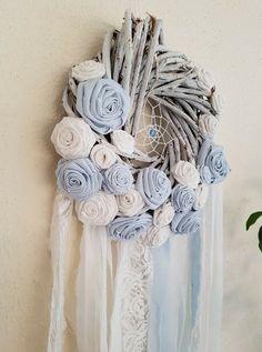 Fabric Birds, Fabric Flowers, Paper Flowers, Shabby Chic Hearts, Shabby Chic Decor, Diy Spring Wreath, Diy Wreath, Diy Wall Decor For Bedroom, Material Flowers
