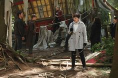 "Snow and Charming in promo pics for 6x01, ""The Savior""."