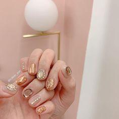 Mani Pedi, Pedicure, Gold Nail Art, Gem Nails, Beautiful Nail Art, Nail Arts, Nail Inspo, Cute Nails, Simple Designs