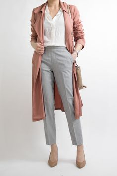 business-casual-women-work-office-professional-outfit-ideas-miss-louie-22