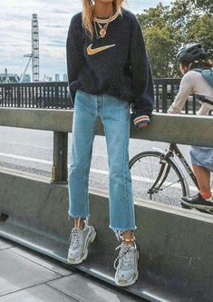 48cb2f5297e  outfit  vintage  nike  sweater  tumblr Cool Clothes