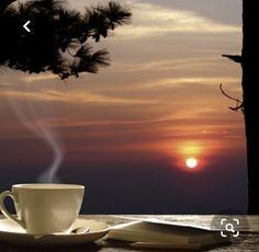 Coffee And Books, I Love Coffee, Best Coffee, Coffee Shop, Coffee Gif, Coffee Break, Coffee Cups, Coffee Humor, Coffee Photography