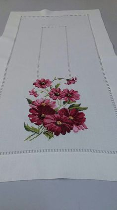 Table Runner, it!s perfect in every way.