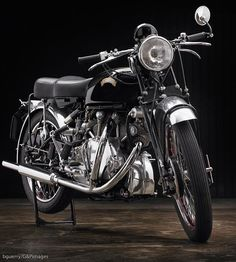 Ten Years After: A restored 1951 Vincent Rapide Rat Rod Motorcycle, Vincent Motorcycle, British Motorcycles, Vintage Motorcycles, Scooters, Vincent Black Shadow, Riders On The Storm, Mechanical Art, Sidecar