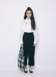 Korea Fashion, Asian Fashion, Daily Fashion, Grunge Style, Soft Grunge, Monochrome Fashion, Minimal Fashion, Casual Outfits, Cute Outfits