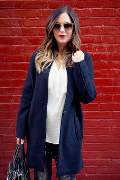 Pickles & Pumps | A lifestyle blog that highlights fashion, food and travel. #rayban #clubmaster #streetstyle #newyorkcity #newyorkcityfashion #fashion #MAC #Zara #AlexanderWang #ombre #ombrehair #brunette #blonde #redlips