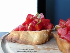 Tomatoes, basil and mint crostini. Bruschetta, Tomatoes, Basil, Breakfast, Ethnic Recipes, Food, Morning Coffee, Eten, Meals