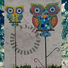 milmundosdeco (Mil Mundos) Instagram Photos and Videos | instidy.com - Instagram Online Viewer                                                                                                                                                      Más Mosaic Tray, Mosaic Tile Art, Mosaic Glass, Tile Crafts, Mosaic Crafts, Mosaic Projects, Mosaic Animals, Mosaic Birds, Mosaic Designs