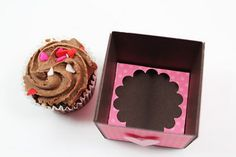 My little craft blog: Mini Cupcake Box with instructions