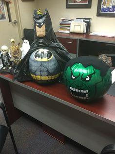 Hulk and Batman Pumpkins. Pumpkin Books, Pumpkin Art, Pumpkin Ideas, Pumpkin Painting, Halloween Cards, Halloween Pumpkins, Fall Halloween, Halloween Decorations, Pumpkin Decorating Contest