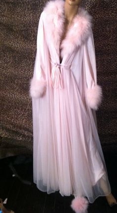 Lucie Ann peignoir with pink marabou