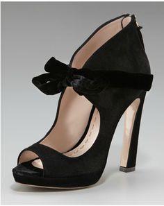 467feb9af140 Miu Miu bow pump Zapatos Shoes