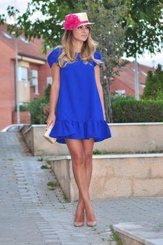 vestido azul klein vestido es el modelo Heidi de la colección Poppop , un vestido que se puede personalizar con el color que más nos guste