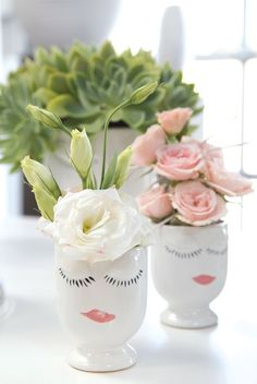 A ladylike vase who'll only smile when filled with *green*.