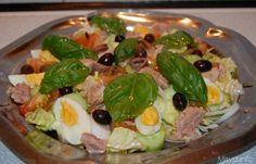 Insalata nizzarda, scopri la ricetta: http://www.misya.info/ricetta/insalata-nizzarda.htm