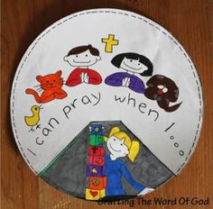 Teaching kids about prayer: this cute craft shows kids that anytime is the right time to pray.