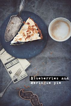blueberries merinque pie by Paulina Kolondra