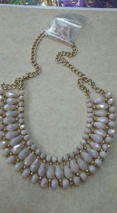 f577b54a724955309c06feea1ec33ea5.jpg (528×960) #collares #collaresbisuteria #collaresdebisuteria #bisuteria #bisuterias #pulseras #pendientes Seed Bead Necklace, Diy Necklace, Necklace Designs, Collar Necklace, Beaded Jewelry Designs, Unique Jewelry, Fashion Necklace, Handmade Jewelry, Fashion Jewelry
