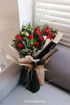 Chocolate Flowers Bouquet, Red Rose Bouquet, Bouquet Wrap, Hand Bouquet, Boquette Flowers, Sunflowers And Roses, Red Roses, Wedding Flowers, Valentine Flower Arrangements