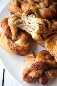 Kanelsnurrer (Norwegian Cinnamon Twists).