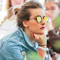 Os óculos da modelo Alessandra Ambrósio. Óculos De Sol Feminino, Óculos  Feminino, Óculos f6350e1c44