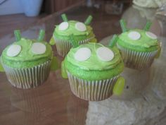 Android Robot Cupcakes by my feelings taste like cupcakes