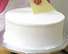 How to get a professional look with buttercream icing.