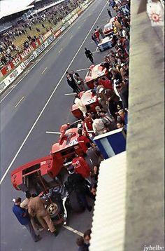 Ferrari 330 p4 Lemans 67 n.24.n.19 and n.20