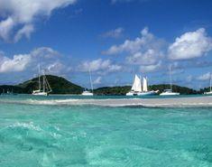 Slik kan du seile under solen i ferien Under Solen, Skiathos, Bavaria, Belize, Marina Bay Sands, Opera House, Building, Travel, Catamaran