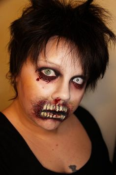 I like the eye makeup - Makeup your Jangsara: Tutorial: Brain-eating zombie for Halloween Halloween Eyes, Last Minute Halloween Costumes, Halloween Makeup Looks, Halloween Diy, Haunted Halloween, Halloween Stuff, Costume Halloween, Halloween Havoc, Haloween Makeup