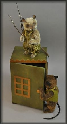 """Artist Lori Ann Corelis has out done herself with this precious set """"Town Mouse & Country Mouse"""".  http://www.lorianncorelis.com"""