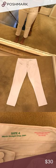 White Jeans In good condition! A very durable material that is thick and not see through. Great deal!! Lilly Pulitzer Jeans Ankle & Cropped