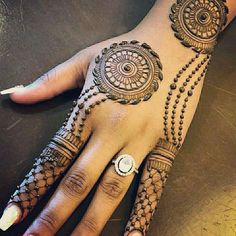 Henna Tattoo Designs Simple, Back Hand Mehndi Designs, Stylish Mehndi Designs, Full Hand Mehndi Designs, Mehndi Designs Book, Mehndi Designs For Beginners, Wedding Mehndi Designs, Latest Mehndi Designs, Mehndi Desing