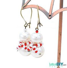 Homemade Beaded snowman earrings -----LetusDIY.ORG|DIY Everything here