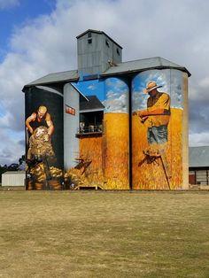 Incredible silo art around Australia escape Graffiti Art, Australian Painting, Australian Artists, Installation Street Art, Roadside Attractions, Water Tower, Country Art, Mural Art, Street Artists