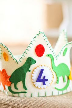 Handmade felt birthday crown.. this is what I will wear for my 30th birthday. Love me some dinosaurs/Jurassica Park..