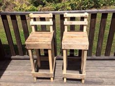 Rustic Wooden Bar Stools by atozwoodworksncrafts on Etsy Woodworking Business Ideas, Easy Woodworking Projects, Diy Pallet Projects, Wood Projects, Pallet Ideas, Wooden Pallet Furniture, Wooden Pallets, Pallet Wood, Pallet Bar
