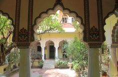 Touring the Forts and Palaces in Jaipur, India -- Haveli hotel