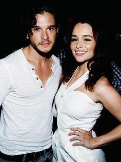 Kit Harington & Emilia Clarke! Real life couple ... Awesome <3