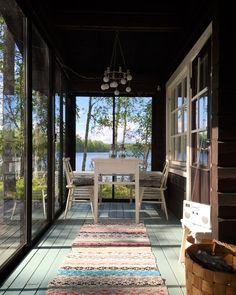 Isyyspakkaus - Blogi | Lily.fi Industrial Loft, Vintage Industrial, Modern Loft, Scandinavian Modern, Cottage Homes, Lands End, Building A House, Tin, Porch