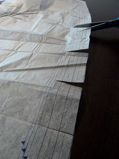 A Stitching Odyssey: Tracing vs. cutting - another dimension to the debate?
