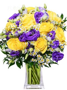 GRASY (RŮŽE) | FLORA - ONLINE Glass Vase, Floral Wreath, Wreaths, Table Decorations, Home Decor, Floral Crown, Decoration Home, Door Wreaths, Room Decor