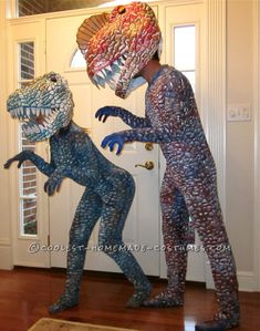 Halloween offers a spook-tacular opportunity for bonding and fun with baby. Whether you have a little ghoul or a little angel, this list of DIY baby costume ideas will leave onlookers howling with delight on Halloween night. Dinosaur Halloween Costume, Homemade Halloween Costumes, Halloween Costume Contest, Couple Halloween Costumes, Halloween Ideas, Halloween 2018, Creepy Halloween, Halloween Stuff, Diy Baby Costumes