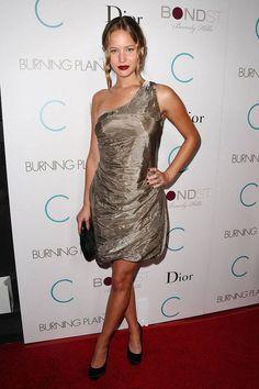 d3c7bf046fbc2 Jennifer Lawrence Style Pictures - Fashion Pictures of Jennifer Lawrence The  Burning Plain, Jennifer Lawrence