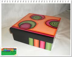 Pinceladas al aire: Cajas Fun Crafts, Crafts For Kids, Whimsical Painted Furniture, Nursery Crafts, Hand Painted Pottery, Ceramic Boxes, Country Paintings, Pretty Box, Altered Boxes