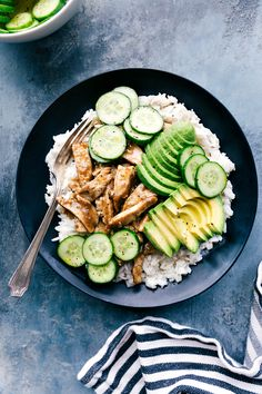 Easy coconut rice topped with saucy shredded apricot chicken and garnished with a quick cucumber salad and creamy avocado. This healthy and delicious dinner can be ready in 30 minutes or less! Recipe via chelseasmessyapron Easy Weeknight Meals, Easy Healthy Dinners, New Recipes, Cooking Recipes, Healthy Recipes, Healthy Options, Apricot Chicken, Creamy Rice, Coconut Rice