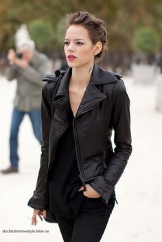 leather jacket outfit: black on black.