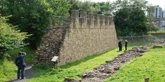 Excavated section of Hadrian's Wall - Wallsend - 4 miles east of Newcastle. Newcastle University, Gods And Goddesses, Roman Empire, Railroad Tracks, Hadrian's Wall, England, Outdoor Structures, History, Travel